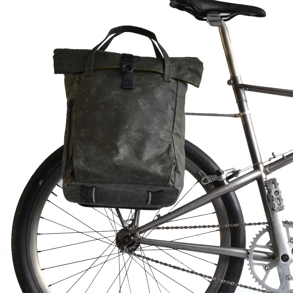 Fahrradrucksack am Gepäckträger