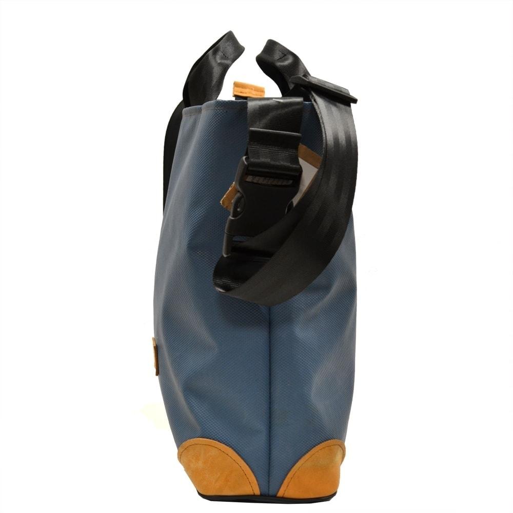 Umhängetasche Shopper recycelt aus Turn- und Sportgeräten Seitenansicht